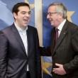 Tsipras preso per mano da Junker: accoglienza calorosa a Bruxelles07