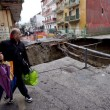VIDEO YouTube Napoli, voragine a Pianura: sgomberate 380 famiglie9
