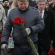 Nemtsov, video dell'omicidio. In migliaia sfilano a Mosca per l'oppositore 3