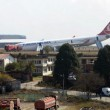 VIDEO YouTube, aereo Turkish Airlines finisce fuori pista a Katmandu 01