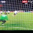 Luca Toni VIDEO gol cucchiaio su rigore in Milan-Verona
