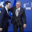 Alexis Tsipras e Jean Claude Juncker, presidente della Commissione Ue (LaPresse)