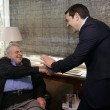 Alexis Tsipras incontra Mikis Thedorakis, famoso compositore greco (LaPresse)