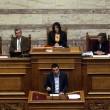 Tsipras in Parlamento durante il voto di fiducia (LaPresse)