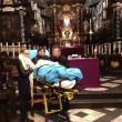 Ultimo desiderio di malata: vedere Rembrandt. Portata al museo in barella FOTO 2