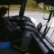 VIDEO YouTube - Colpo di sonno al volante: autista bus si schianta contro 6 auto2