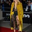 Naomi Campbell e Cara Delevigne, rissa a Parigi: extension nel mirino 2