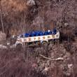 Cina: precipita bus in dirupo: 20 morti, 13 feriti