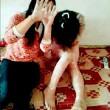 Cina, bulle sedicenni picchiano, spogliano una compagna e postano FOTO online