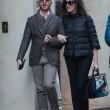 Maria Grazia Cucinotta shopping a Milano con un amico12