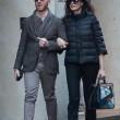 Maria Grazia Cucinotta shopping a Milano con un amico14