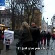 Giornalisti ebrei camminano nelle città europee con la kippah. Insulti e sputi03