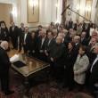 """Giuramento del governo Tsipras: quasi tutti gli eletti rifiutano il giuramento con la """"benedizione"""" della Chiesa Ortodossa (LaPresse)"""