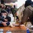 Isis taglia mani ai ladri FOTO. Prima fascia braccia e imbottisce di antidolorifici09