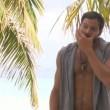"""Prova specchio sull'Isola, Rocco Siffredi controlla il pacco: """"C'è sempre..."""" 10"""