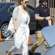 Jennifer Lopez torna con il toy boy Casper Smart: FOTO insieme al ristorante09