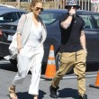Jennifer Lopez torna con il toy boy Casper Smart: FOTO insieme al ristorante08