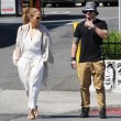 Jennifer Lopez torna con il toy boy Casper Smart: FOTO insieme al ristorante02