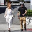 Jennifer Lopez torna con il toy boy Casper Smart: FOTO insieme al ristorante17