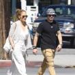 Jennifer Lopez torna con il toy boy Casper Smart: FOTO insieme al ristorante12