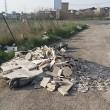 Roma, lapidi del cimitero gettate in discarica abusiva su via Prenestina07