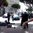 Los Angeles, polizia uccide senzatetto con 5 colpi di pistola03