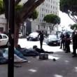 Los Angeles, polizia uccide senzatetto con 5 colpi di pistola