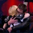 VIDEO YouTube: Madonna si masturba in tv, vignettista Charlie Hebdo tira fuori pene03