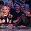VIDEO YouTube: Madonna si masturba in tv, vignettista Charlie Hebdo tira fuori pene06