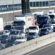 Scontro camion-pullman di studenti sulla A4: 50 persone coinvolte, nessun morto 05