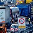 Scontro camion-pullman di studenti sulla A4: 50 persone coinvolte, nessun morto 07
