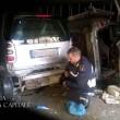 Ostia, 7 auto smontate nell'autorimessa abusiva nelle case del Comune di Roma5