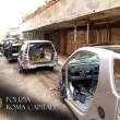 Ostia, 7 auto smontate nell'autorimessa abusiva nelle case del Comune di Roma