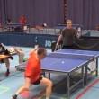 ping pong, pallina scompare: giocatori pensano che sia andata persa e invece02