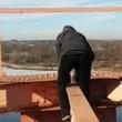 VIDEO YouTube: si arrampica su ponte e tocca cavo da 30mila volt, 14enne muore folgorato02