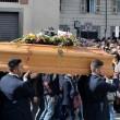 Tunisi, Orazio Conte e Antonella Sesino: funerali Torino, applauso accoglie feretri 08