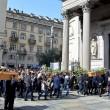 Tunisi, Orazio Conte e Antonella Sesino: funerali Torino, applauso accoglie feretri 02