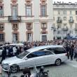 Tunisi, Orazio Conte e Antonella Sesino: funerali Torino, applauso accoglie feretri 03
