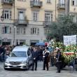 Tunisi, Orazio Conte e Antonella Sesino: funerali Torino, applauso accoglie feretri 012