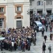 Tunisi, Orazio Conte e Antonella Sesino: funerali Torino, applauso accoglie feretri 010