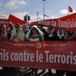 """Tunisi, marcia coi leader contro il terrore. Renzi: """"Non gliela daremo vinta""""03"""