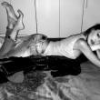Cristina Buccino sexy in mutandine e t-shirt 08