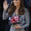 Kate Middleton incinta al volante, royal baby in ritardo