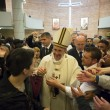 Sylvie Lubamba: papa Francesco le lava i piedi in carcere09
