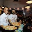 Napoli, M5s: Fico e Di Maio servono pizza per autofinanziamento regionali13