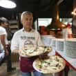 Napoli, M5s: Fico e Di Maio servono pizza per autofinanziamento regionali22