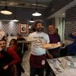 Napoli, M5s: Fico e Di Maio servono pizza per autofinanziamento regionali23