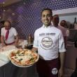 Napoli, M5s: Fico e Di Maio servono pizza per autofinanziamento regionali04