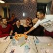 Napoli, M5s: Fico e Di Maio servono pizza per autofinanziamento regionali06