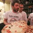 Napoli, M5s: Fico e Di Maio servono pizza per autofinanziamento regionali08